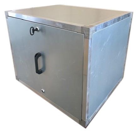 Stalen boxen met inspectieluik en slotsysteem